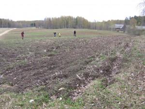 Varakevadel, kui põllud on küntud ja lumi sulanud, on kõige parem aeg asulakohtade otsimiseks.